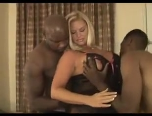 excellent mature woman gets a big black cock in her was and with
